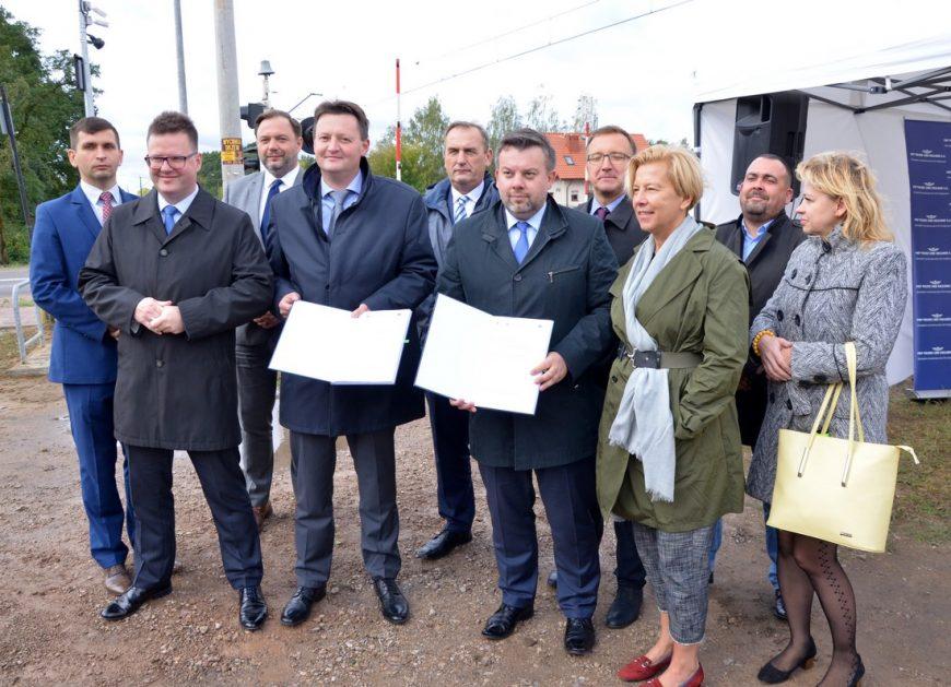 NaKolei.pl - 194 mln zł z POIiŚ. Do kwietnia 2020 r. remont obejmie łącznie 180 przejazdów