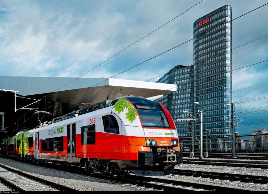 NaKolei.pl - Desiro ML Cityjet eco na baterie elektryczne. Siemens Mobility prezentuje pojazd na InnoTransie