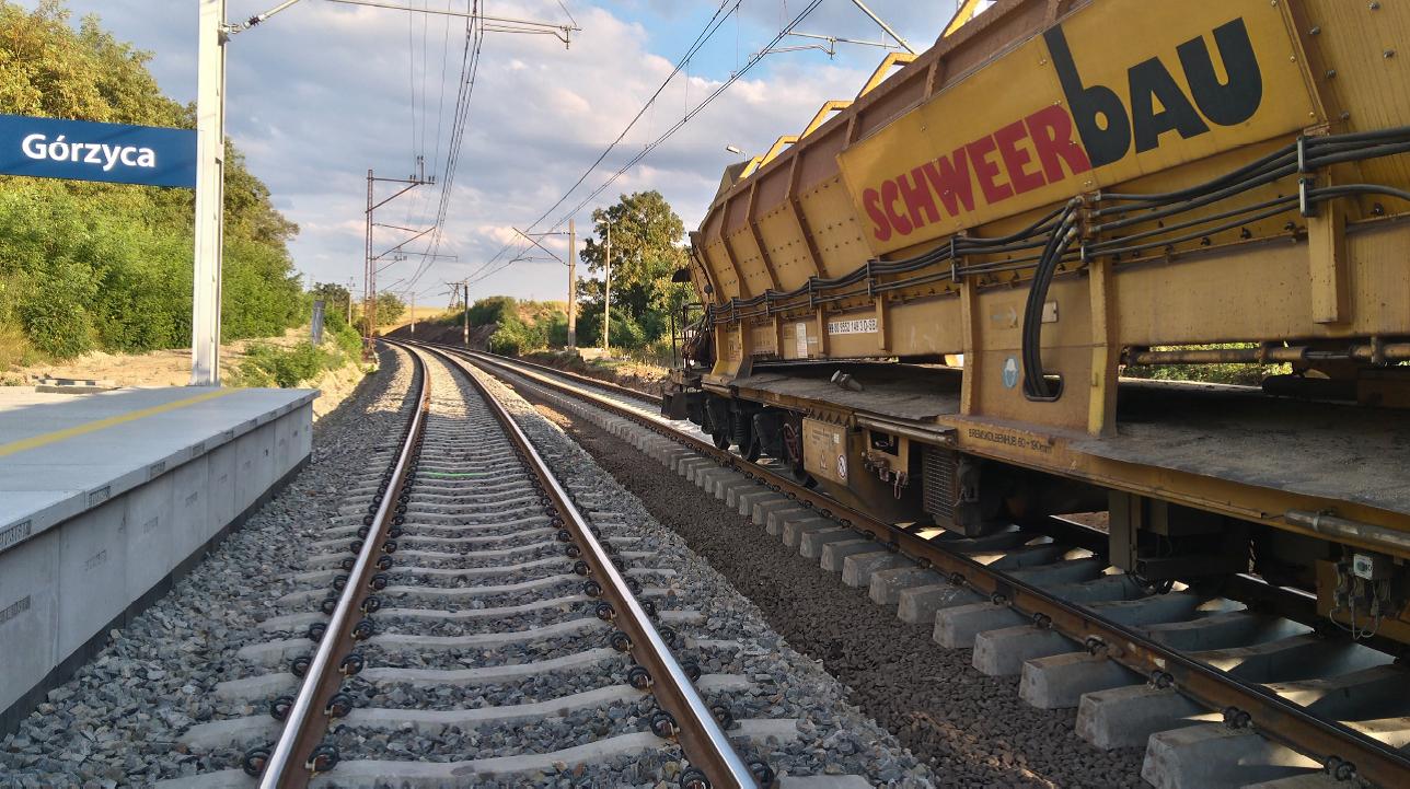 NaKolei.pl - Trasa Drzeńsk-Kostrzyn w przebudowie: Będą sprawniejsze przewozy towarów do portów