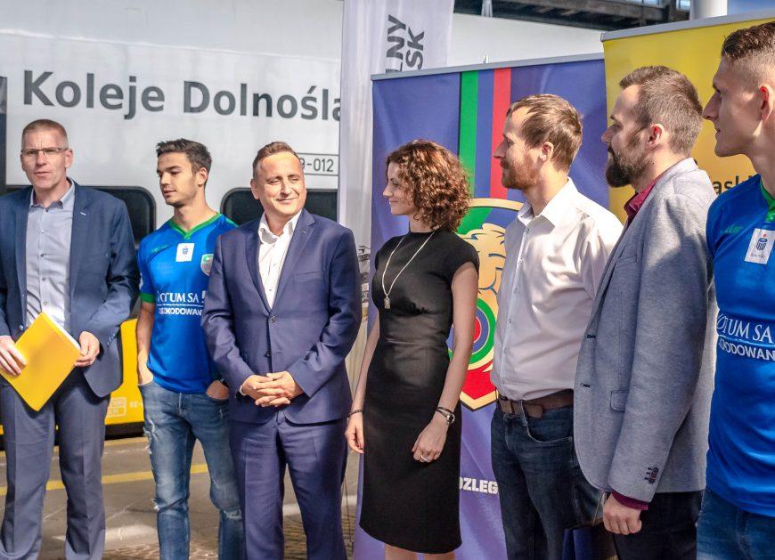 NaKolei.pl - Koleje Dolnośląskie partnerem klubu Miedź Legnica