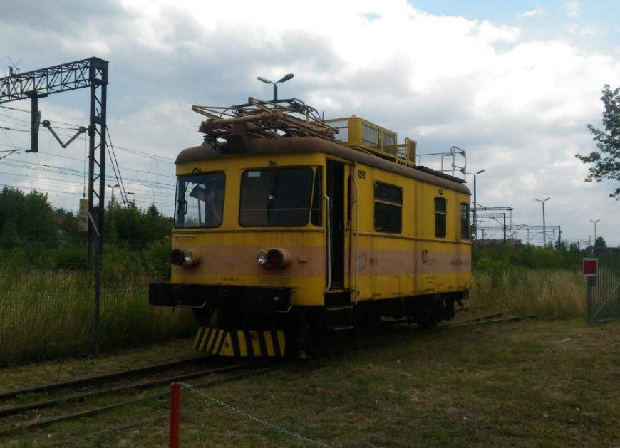 NaKolei.pl - PSMK dostanie od PKP Energetyki pojazd SR71-04. Trwa zbiórka na transport