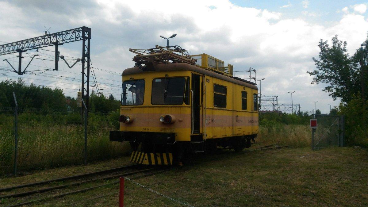 PSMK dostanie od PKP Energetyki pojazd SR71-04. Trwa zbiórka na transport