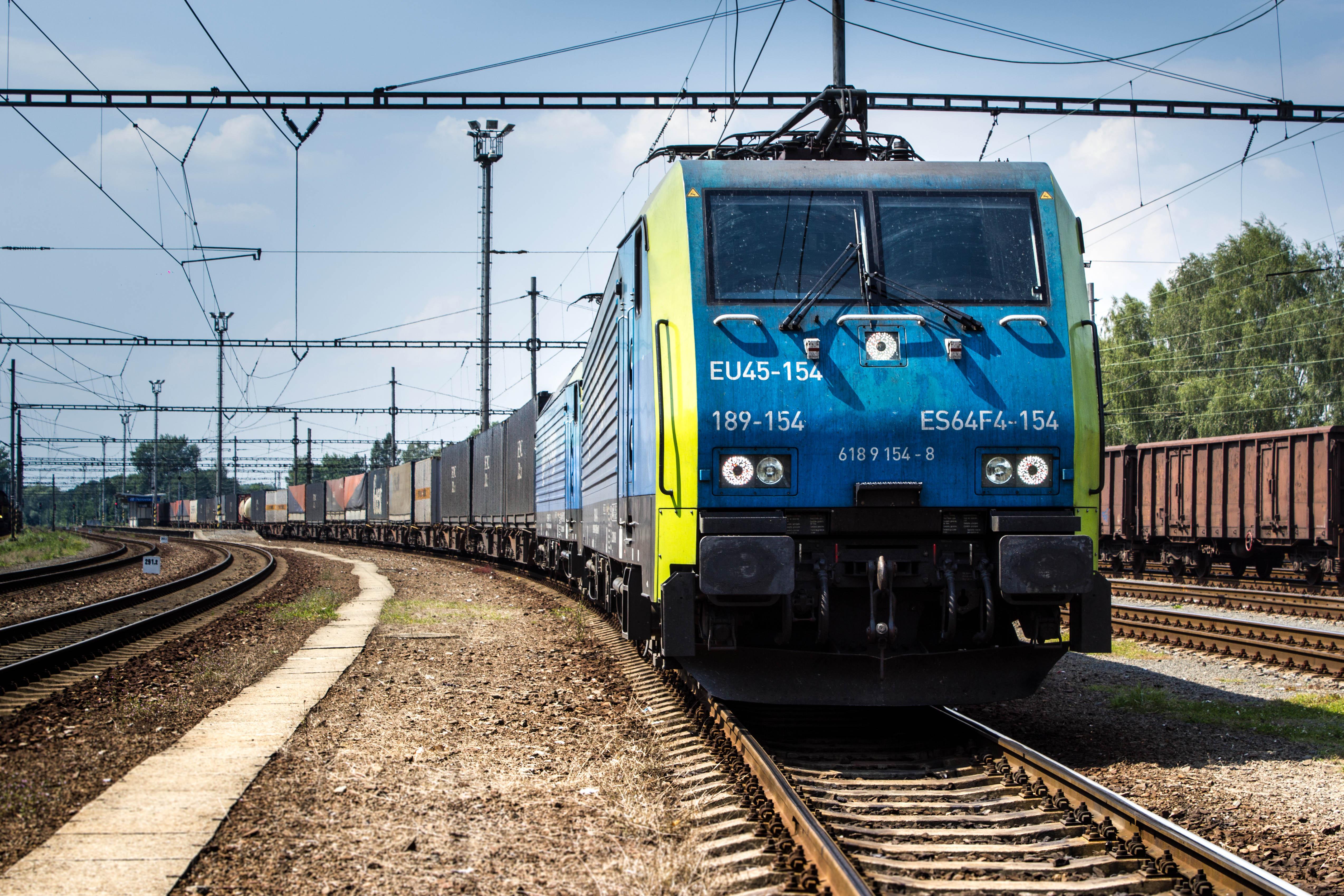 PKP CARGO S.A. podpisało umowę z PKP Energetyka na dostawy trakcyjnej energii elektrycznej na najbliższe dwa lata.