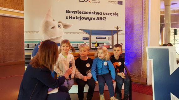 """Ruszyła nowa odsłona """"Kampanii Kolejowe ABC"""" realizowanej przez Urząd Transportu Kolejowego."""