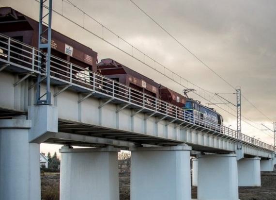 Transport towarowy koleją – raport z konsultacji UTK