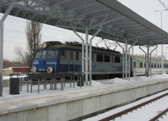Podróże ze Stalowej Woli Rozwadowa już z nowego peronu