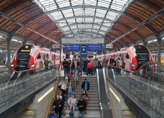 Nowy rozkład jazdy pociągów POLREGIO od 15 grudnia. Pociągi wrócą na wiele linii, na których zakończono prace modernizacyjne