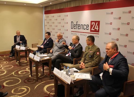 """Polska kolej jest przygotowana na wypadek wojny? Warsewicz: """"Posiadamy wystarczające zasoby do przewozu żołnierzy i ciężkiego sprzętu"""""""