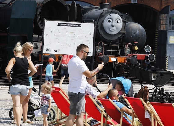 """Dzień Dziecka z """"Tomkiem i Przyjaciółmi"""" w Muzeum Kolejnictwa w Jaworzynie Śląskiej"""
