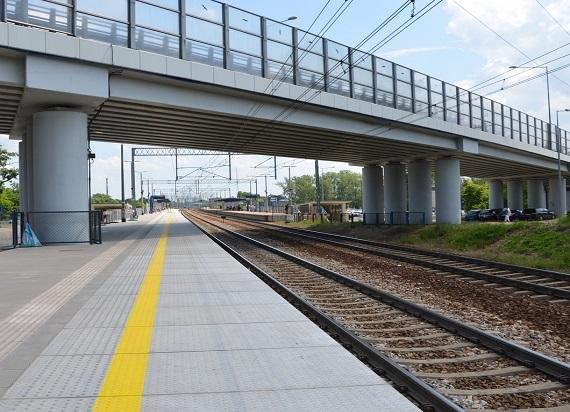 Przebudowa peronów w Nowym Dworze Mazowieckim na półmetku