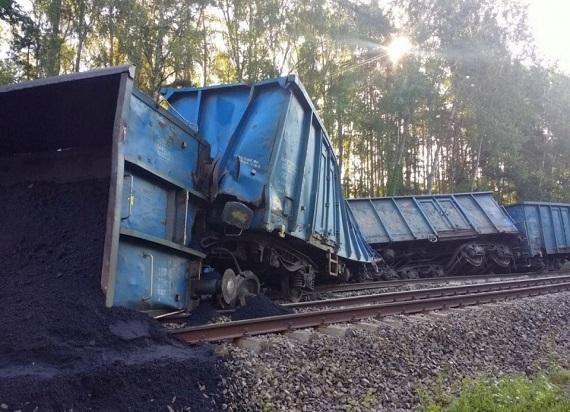 Pociąg towarowy wykoleił się na trasie koło Opola. Utrudnienia w ruchu mogą potrwać nawet do niedzieli