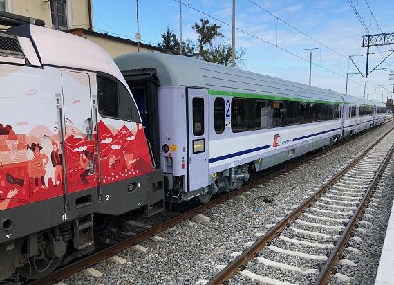 60 zmodernizowanych wagonów w barwach PKP Intercity