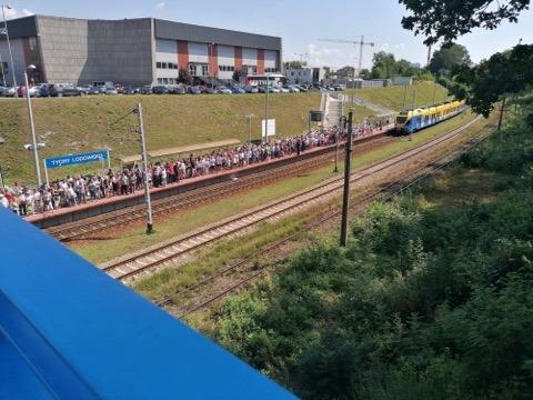Liczba chętnych na darmowe przejazdy Kolejami Śląskimi przekroczyła wszelkie oczekiwania