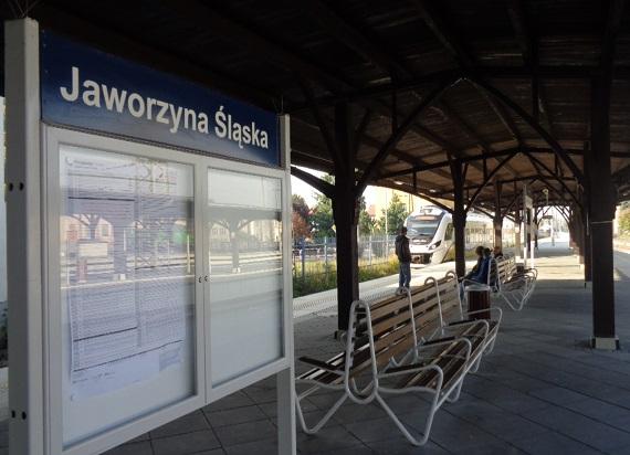 Stacja Jaworzyna Śląska po przebudowie – nowe możliwości podróży i lepsza komunikacja w mieście