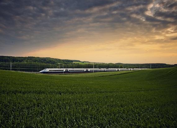 Koleją na wakacje – PKP Intercity poprawia wynik z ubiegłego roku