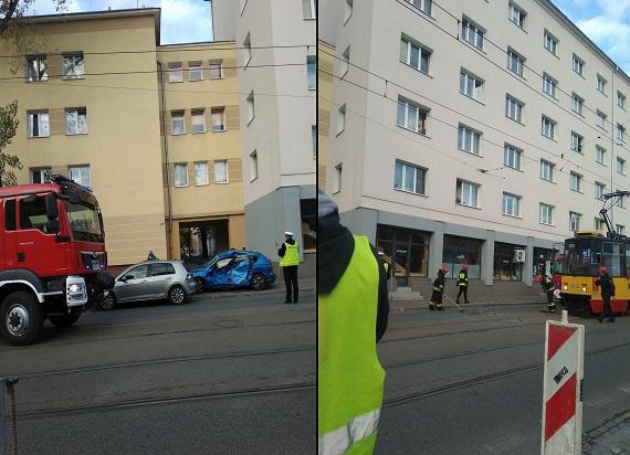 Z ostatniej chwili! Warszawa: Zderzenie tramwaju z samochodem. Kierowca trafił do szpitala