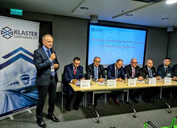 Zakup taboru na potrzeby komponentu kolejowego Centralnego Portu Komunikacyjnego – konferencja Klastra Luxtorpeda 2.0