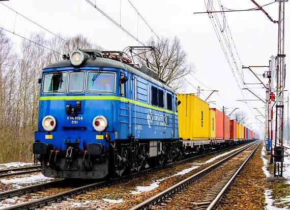 Obraz międzynarodowego transportu towarów koleją w dokumencie przygotowanym przez UTK