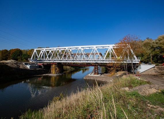 Pociągi pojadą szybciej po nowym moście nad Kanałem Kędzierzyńskim