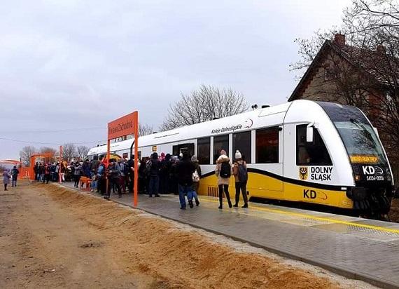 Pociągi Kolei Dolnośląskich powracają do Bielawy po 42 latach