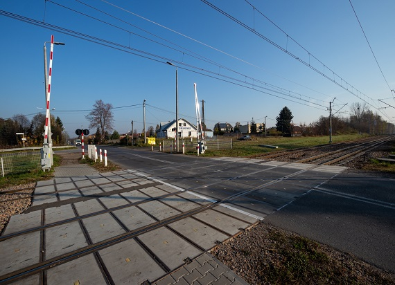 PLK w 2019 r. zmodernizowały 15 przejazdów kolejowych w woj. świętokrzyskim