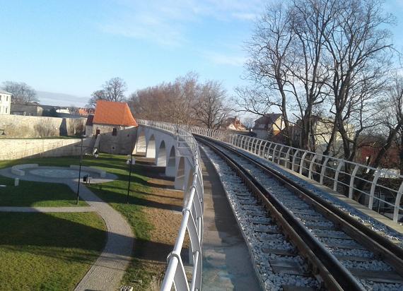 PLK odnowiły 745 metrową estakadę kolejową w Strzegomiu [ZDJĘCIA]