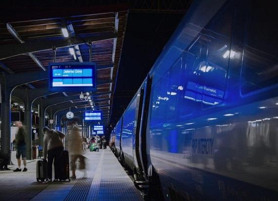 Dlaczego pociągi się spóźniają?