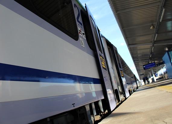 Co przyciąga pasażerów do kolei?