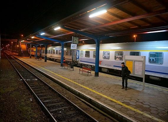 Krzyż: Funkcjonariusze SOK i Policji odzyskali skradzione na terenie stacji kolejowej 5 000 zł i złapali sprawcę