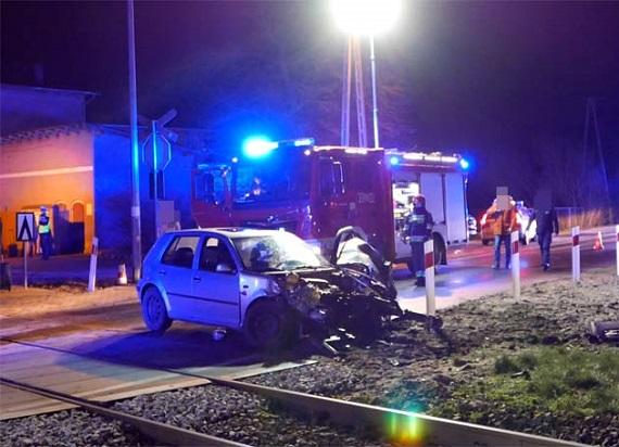 Wjechali samochodem w Pendolino. Kierowca oraz jego pasażerowie byli pijani [AKTUALIZACJA]
