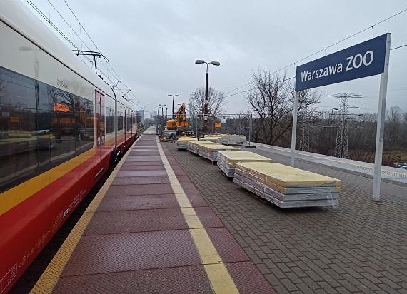 Wygodniejsze kolejowe stacje i przystanki w Warszawie