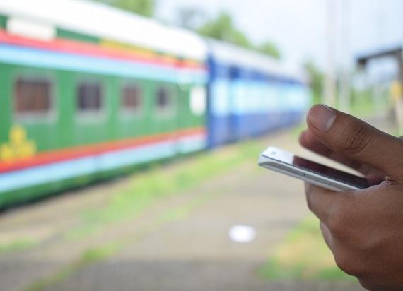 Aplikacja BILKOM wyśle powiadomienie na telefon z informacją o opóźnieniu pociągu