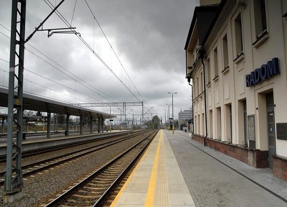 Radom bez połączenia kolejowego na lotnisko. Ale z nowym przystankiem