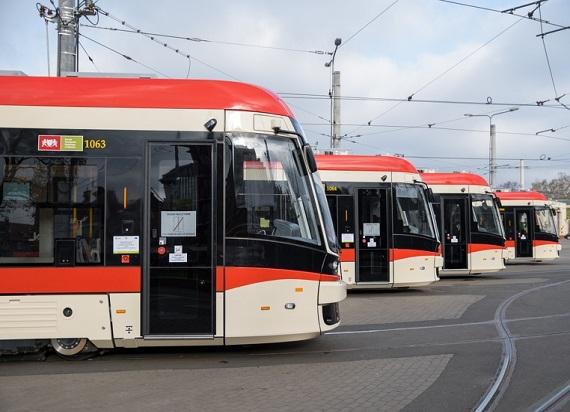 Dostawa 15 pojazdów PESA Jazz Duo dla Gdańska na finiszu