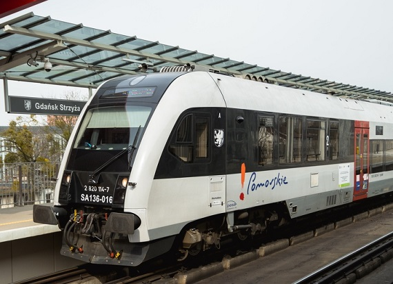 Pomorskie: Urząd Marszałkowski proponuje rezerwacje na przejazd w pociągach SKM i POLREGIO