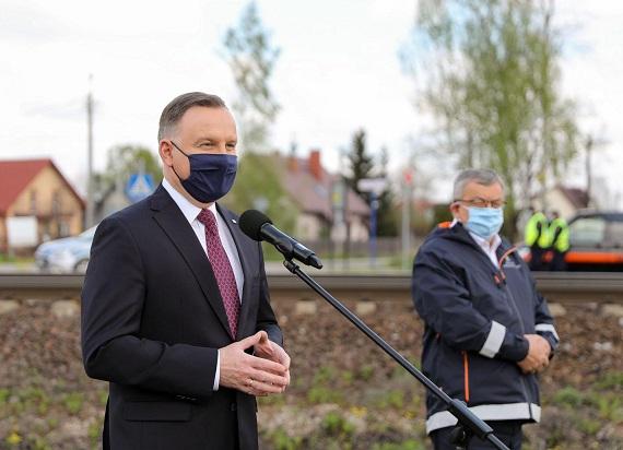 Prezydent Andrzej Duda i minister Andrzej Adamczyk zapowiedzieli budowę 200 przystanków kolejowych [MAPA]