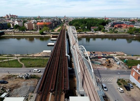 Już dzisiaj pojadą pierwsze pociągi na nowym moście nad Wisłą w Krakowie!