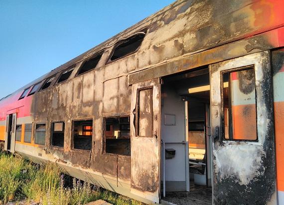 Pożar wagonów na terenie chojnickiego zakładu POLREGIO [ZDJĘCIA]