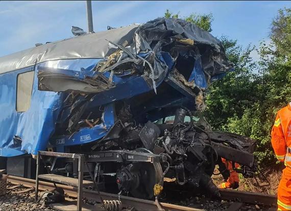 Kolejna katastrofa kolejowa w Czechach. Zderzenie pociągu pasażerskiego z wagonem pocztowym [AKTUALIZACJA]