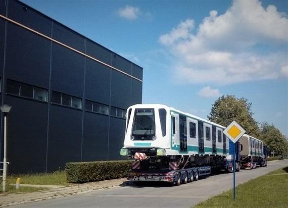 Z terenów Newagu wyjechał pojazd metra Inspiro. To 21 pociąg dla Sofii