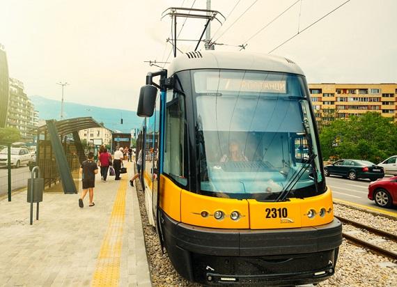 Pesa z umową na 5 Swingów dla Torunia i najlepszą ofertą w przetargu na 25 tramwajów dla Sofii