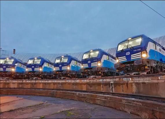 Czesi zaczynają cięcia w przewozach pasażerskich z powodu drugiej fali koronawirusa