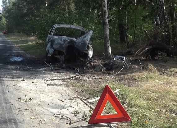 Pracownicy Budimeksu przy modernizacji LK7 uratowali życie dwójki pasażerów płonącego samochodu