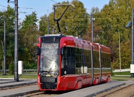 Nowe tramwaje Pesy 2017N rozpoczęły służbę w barwach spółki Tramwaje Śląskie [ZDJĘCIA]