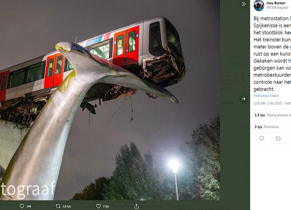 Szokujący wypadek metra w Rotterdamie: Rzeźba uratowała przed upadkiem z 10 metrów
