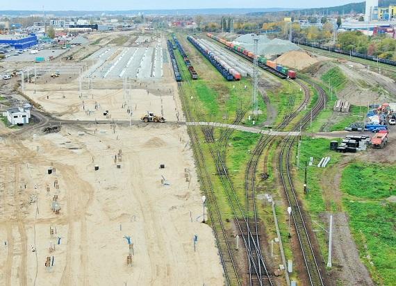 Gdynia Port – układane są nowe tory, zwiększy się przewóz towarów [ZDJĘCIA]