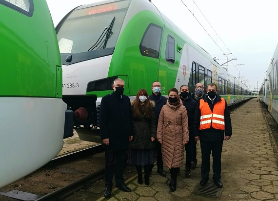 Koleje Mazowieckie odebrały kolejne nowe pociągi od Stadlera