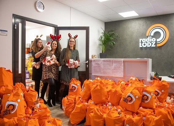 Spółki kolejowe przygotowały pół tysiąca świątecznych paczek dla potrzebujących Łodzian