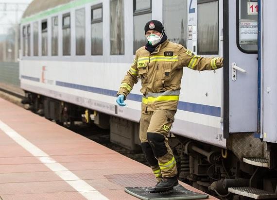 Czy warto bać się podróży transportem publicznym w czasach pandemii?