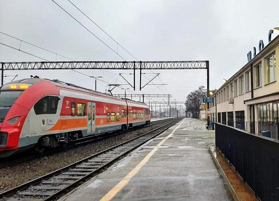 Marszałek woj. kujawsko-pomorskiego ignoruje pisma ws. przywrócenia połączeń kolejowych